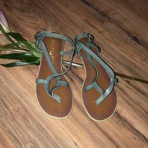 NWOT Report sandals
